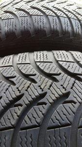 Gume Michelin 195 60 15 (2)