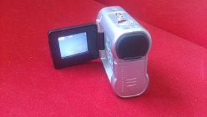 Digitalna kamerica DV2000