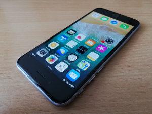 Apple iPhone 6S // 64GB // Space Gray
