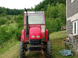 Traktor dong feng 404.2012.god.duplak