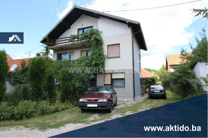 Porodična kuća sa gradskim centralnim grijanjem, Tuzla