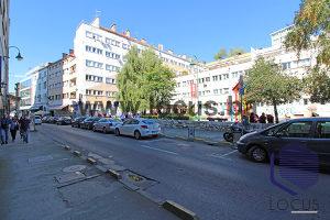 LOCUS prodaje: Dvosoban stan sa balkonom, Centar