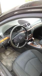 Mercedes-Benz E 220 2004 extra stanje