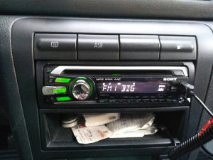 Autoradio cd mp3 usb.