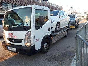Vučna služba Renault Maxity Nissan Cabstar 2012 god.
