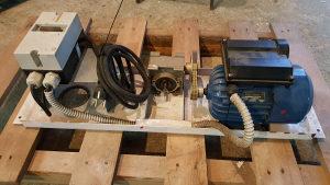 Elektromotor i reduktor sa sklopkom