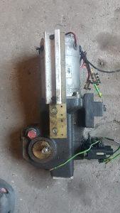 Motor sa reduktorom