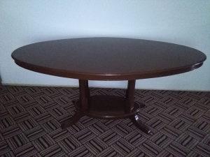Trepezariski stol