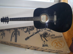 Akusticna gitara set