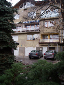namješten dvoiposoban stan kod Viječnice