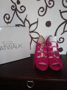 Ženske sandale / catwalk / br 38 / novo