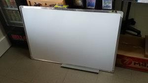 magnetna ploca tabla 90x60 za pisanje i crtanje