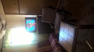 Stan u Tuzli, Skojevska - za dvije studentice