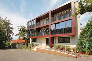 PROSTOR prodaje: Trosoban stan sa parkingom, Skenderija