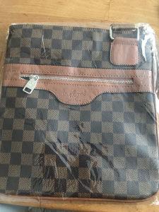 Kožna torbica 100% koža