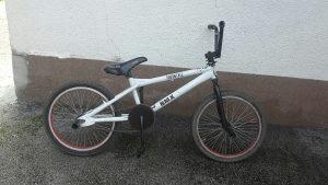 Bmx biciklo. !