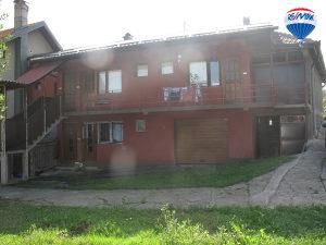RE/MAX prodaje 2 kuće u naselju Krč