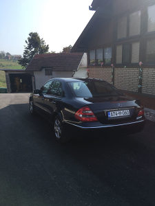 Mercedes-Benz E 270 2004. God W211 šalt