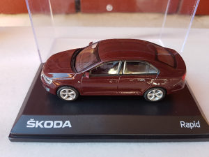 Škoda Rapid 1/43 Abrex *NOVO*