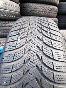 Prodajem 2 gume 205 60 16 Michelin 100km