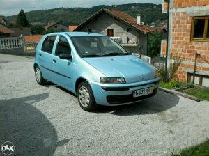 Fiat punto ocarnjen i registrovan