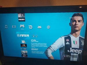 PLAYSTATION 3 PS 3 SLIM CIPOVAN 160GB(FIFA 19,GTA 5,PES