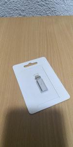 Mikro usb konektor magnet