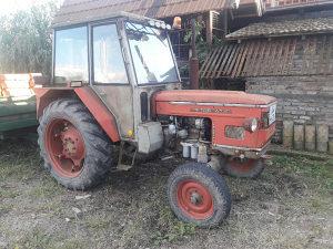 Traktor zetor i prikolica