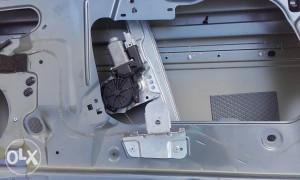 Peugeot 207 podizac stakla prednji lijevi