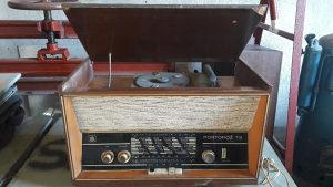 Radi aparat sa gramafonom - starina