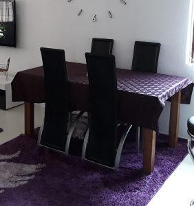 Kuhinjski sto i stolice