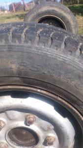Osovina od kombia , komplet 200km gume ,felge i osovina
