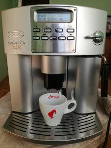 Kafe aparat Delonghi MAGNIFICA RAPID...