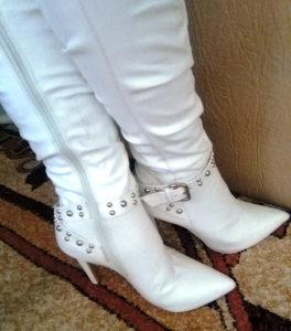 Bijele čizme na štiklu