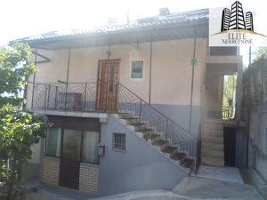 Buljakov Potok , kuca sa 3 stana i garazom, prodaja!