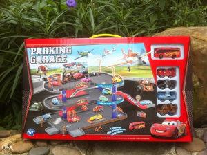 Cars auto staza,parking garaža,autići, autobus,igračke