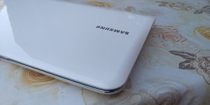 SAMSUNG i3 2310M / 4GB RAM / 500GB HDD / USB 3.0