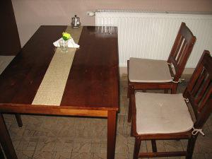ugostiteljski stolovi i stolice
