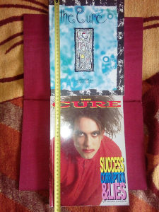 Fotomonografije benda The Cure.