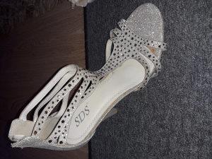 Šljokaste zlatne Sandale