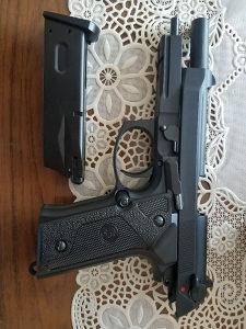 Pistolj airsoft