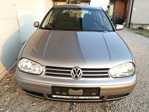 Volkswagen Golf 1,6BENZIN 2003.GOD TEL 061 323-111