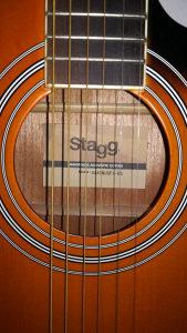 Akustična Gitara stagg