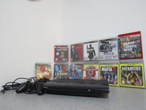 Playstation 3 Slim PS3 11 orginalnih igrica 2x gamepad
