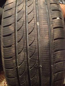 4 gume - 255/40R19 M/S Vozene nepuna 2 mjeseca