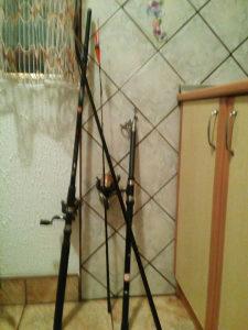 2 štapa za pecanja sa Mascinicama