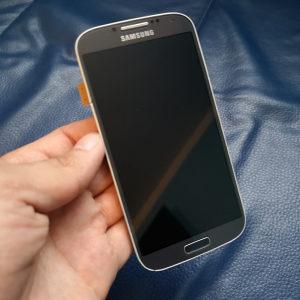 Prodajem Samsung Galaxy S4 i9505 display LCD Ekran