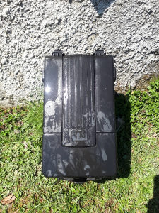 Kuciste akumulatora / Passat 6
