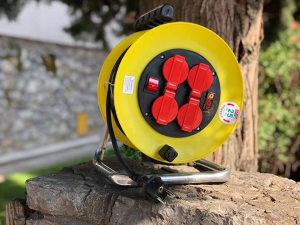 Produzni kabel na kolutu 25m,4 uticnice