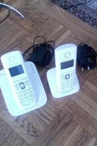 Telefon bezicni kucni sa 2 slusalice